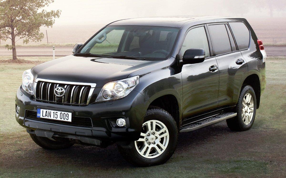 Geely Atlas и Toyota Land Cruiser Prado сравнили на бездорожье. «Китаец» удивил